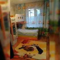 Продаю 2-комнатную квартиру, 60 кв. м, 1/3 этаж, мкр. Достук, в г.Бишкек