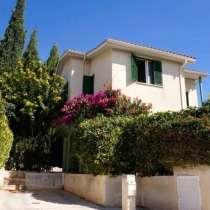 Дом в районе Пафоса-Кипра, в г.Киев