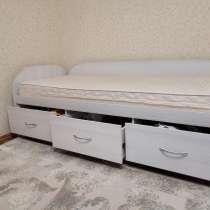 Кровать 2,0 м с матрасом, в Новом Уренгое
