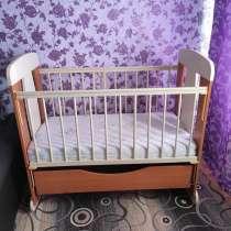 Продам кроватку с матрасом, в Туле