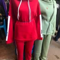 Продам тёплые спортивные костюмы, в г.Луганск