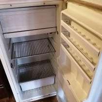 Старый работающий холодильник, в Чебоксарах