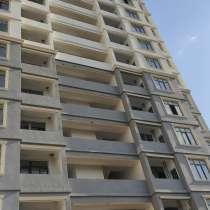 Продается 3-ох комнатная квартира, около метро Нефтчиляр, в г.Баку