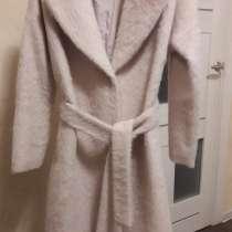 Продаю пальто с ангорой «La Reine Blanche», в Москве