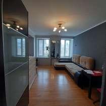 Сдается большая, светлая, теплая комната S ком.-25 кв. м, в Санкт-Петербурге