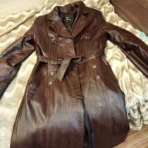 Продам зимние дублёнки и кожаное пальто на кроликом меху, в Навле