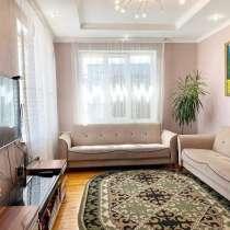 Продается двухэтажный особняк 380м2 тел 0702976973, в г.Бишкек
