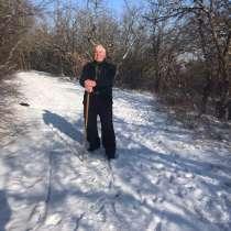Владимир, 76 лет, хочет пообщаться, в Севастополе