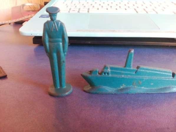 Железные солдатики и крейсер + машинка ссср