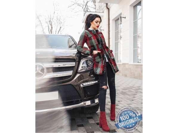 Короткое женское пальто Вязка в