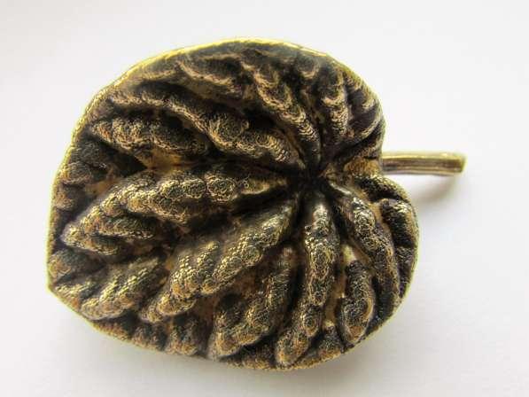Серебряная брошь - листик для ценителей природы!