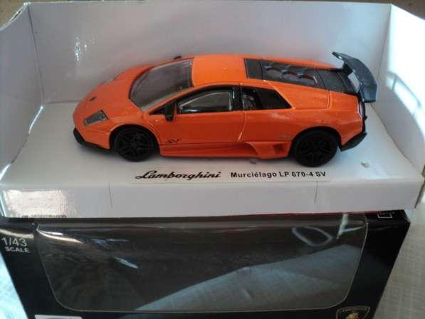 Масштабная модель автомобиля LAMBORGHINI