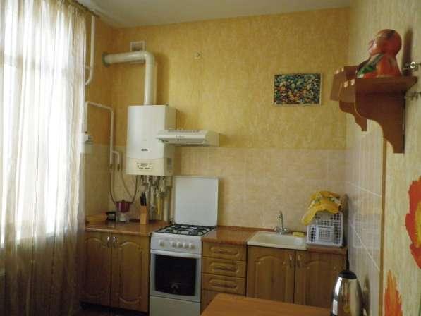 Продам 2 комнатную на Античном 8