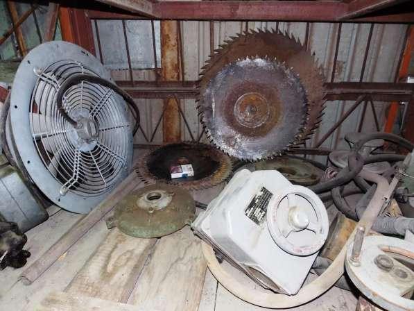 Режущий Инструменты с хранения закрытие склада в Саратове