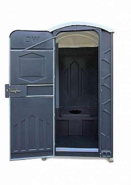 Новые туалетные и душевые кабины в Москве