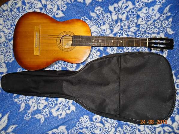 Продам гитару за 1 тыс руб. Новороссийск, 14 микрорайон