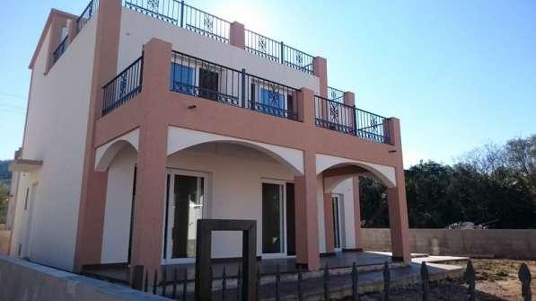 Новый дом 200 кв. м. в поселке Добра Вода. Черногория в фото 3