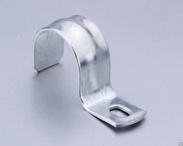 Скоба металлическая однолапковая 31-32 мм
