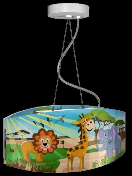 Детская люстра с изображением животных в Африке