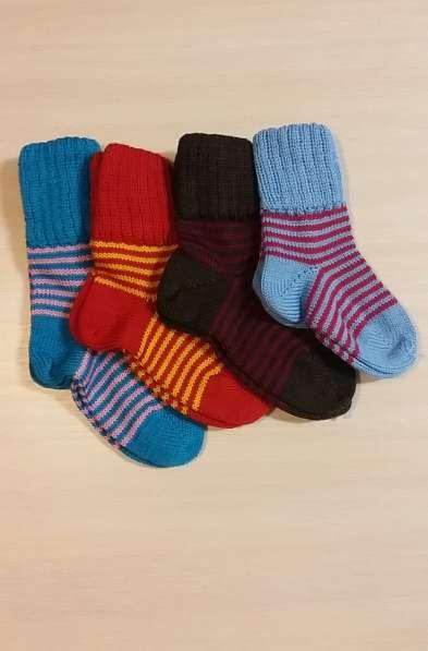 Детские носочки и штанишки