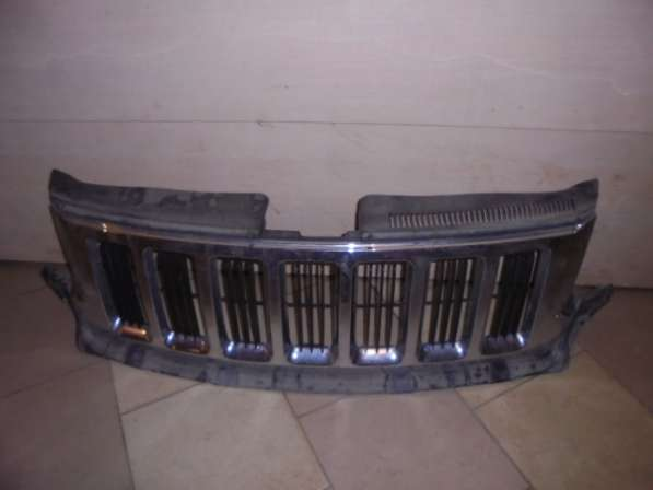 решетка радиатора на Джип Гранд Чироки