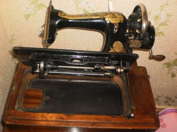 Швейная машинка Зингер 1909 года выпуска в Санкт-Петербурге