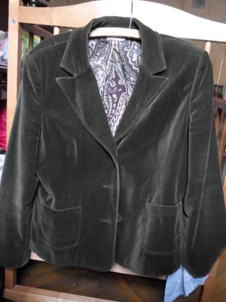 Пиджак темно-зеленый, бархатный, размер 46