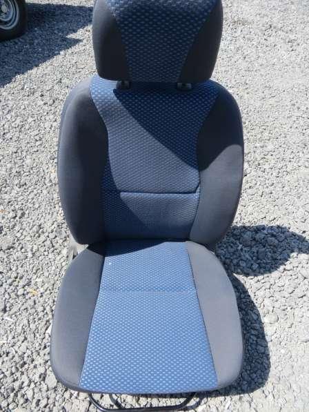 Сиденье переднее правое с подогревом на CHERY TIGGO T11