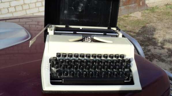 продаю пишущую машинку