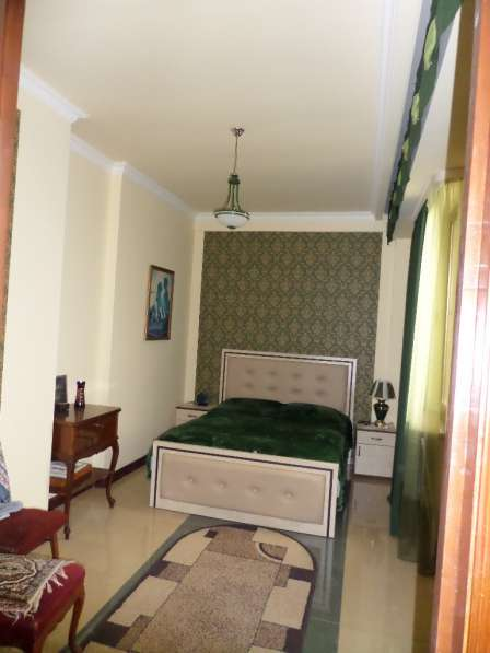 Уютная светлая квартира В Ереване;Новостройка,2 комнатная в фото 6