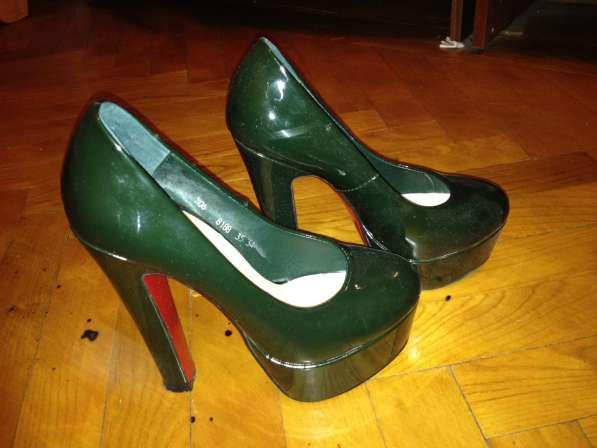 Туфли темно-темно зеленого цвета