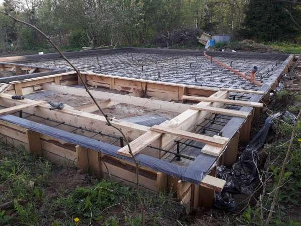 Строительство загородных коттеджей из пеноблоков и деревянны