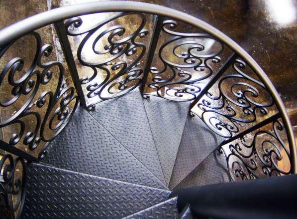 Кованые перила и кованые лестницы в Воронеже