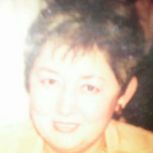 Halyna Tsukhlarakis, 63 года, хочет пообщаться