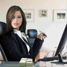 Женщине -руководителю требуется помощник