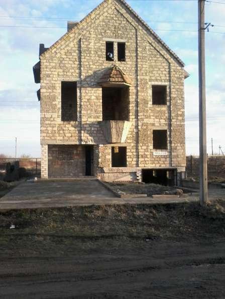 Два смежных участка 18 соток с недостроенным домом