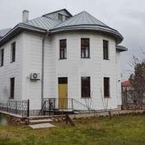 Дом на Готской, 3-х этажный с бассейном, в г.Севастополь