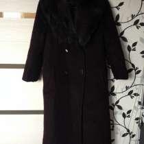 Пальто женское зимнее с песцовым воротничком размер 44-46, в г.Красноярск