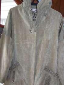 Продаю женские куртки, в Москве