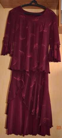 Продаю костюм, блуза и юбка б/у, состояние отличное, в Барнауле