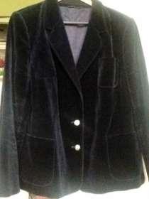 Бархатный пиджак чернильного цвета, в Красноярске