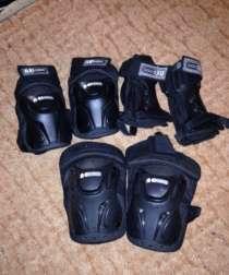 Продаю ролики женские+защита, в Химках