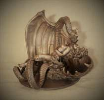 """Скульптура из бронзы """"Ева со змеем"""", в Санкт-Петербурге"""