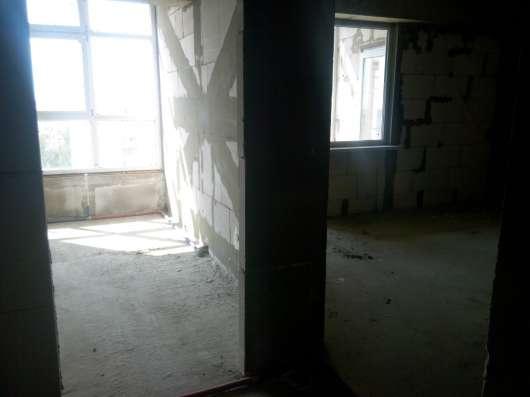 Продам 2 комнатную на Острякова 244
