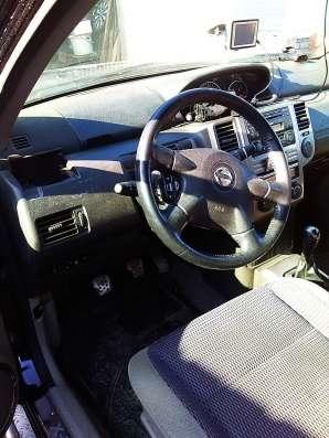 Продам автомобиль Ниссан Икстрейл 2.0, МКПП, тканевый салон