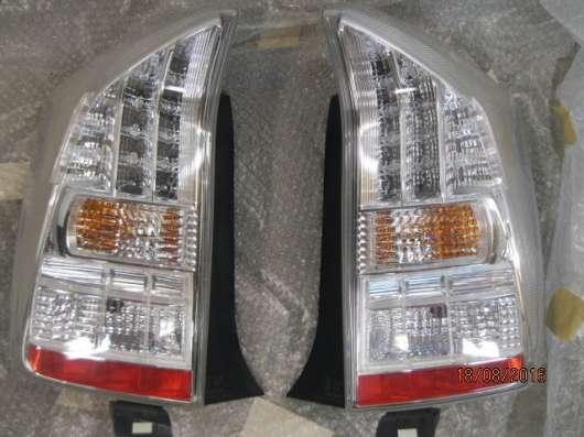 Задний фонарь Тойота Приус ZVW-30