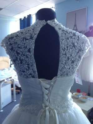 Пышное свадебное платье со шлейфом и маечкой в Москве Фото 3