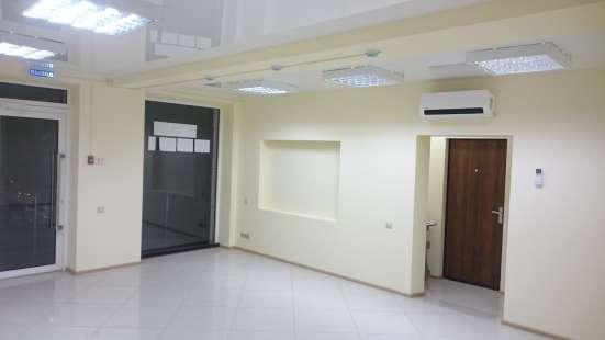 Коммерческая недвижимость 32.6 кв/м,+ 6 кв/м подсобка в Краснодаре Фото 1