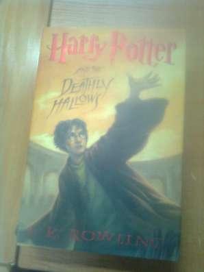 Продам книгу гарри поттер на английском языке без перевода