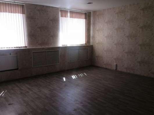 Офисное помещение в аренду 32 кв. м